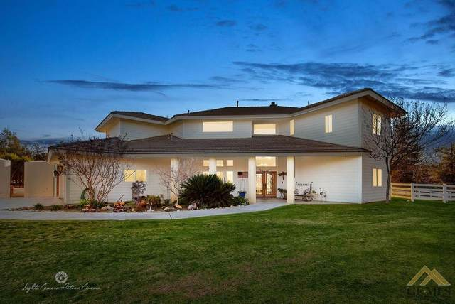 7001 Meadows Of The Kern Drive, Bakersfield, CA 93308 (#202101974) :: HomeStead Real Estate