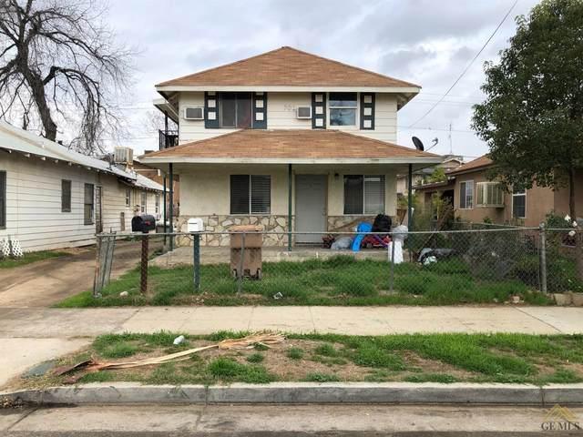 702 M Street, Bakersfield, CA 93304 (#202102074) :: HomeStead Real Estate