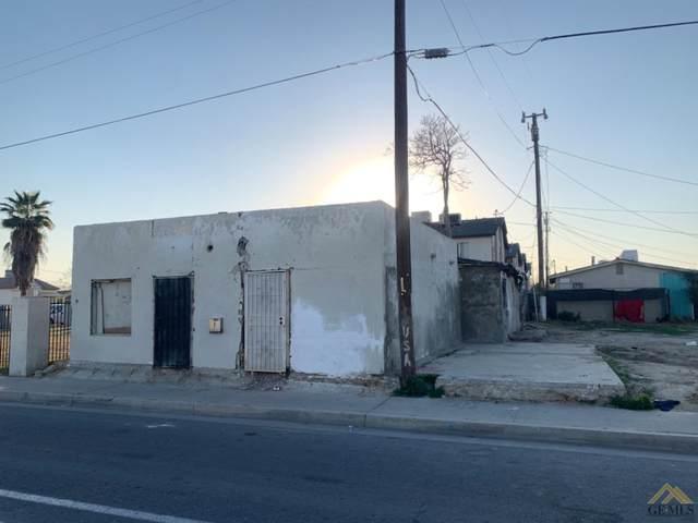 708 Dr Martin Luther King Jr Boulevard, Bakersfield, CA 93307 (#202102162) :: HomeStead Real Estate