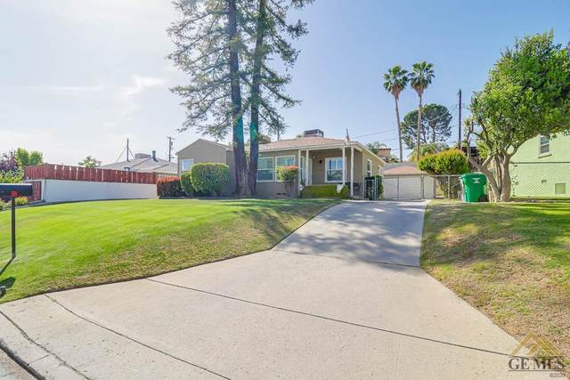 2834 Hawthorne Avenue, Bakersfield, CA 93305 (#202104088) :: HomeStead Real Estate