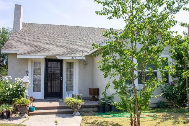 2701 California Avenue, Bakersfield, CA 93304 (#202106572) :: MV & Associates Real Estate