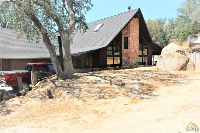 16 S Oak Knoll Lane, Wofford Heights, CA 93285 (#202106621) :: MV & Associates Real Estate