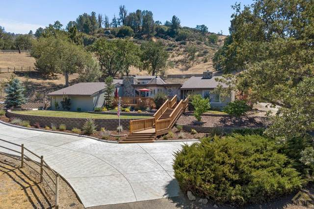 30200 Sunland Way, Tehachapi, CA 93561 (#202108663) :: MV & Associates Real Estate