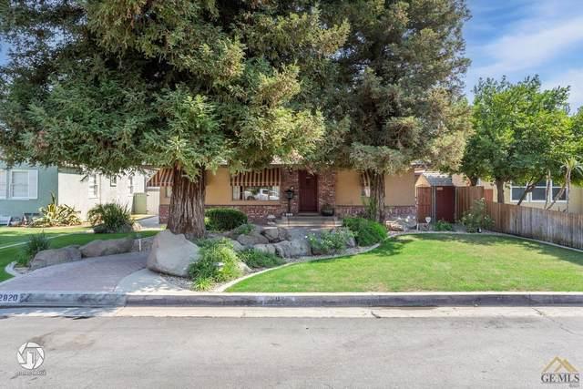 2820 Spruce Street, Bakersfield, CA 93301 (#202110789) :: MV & Associates Real Estate