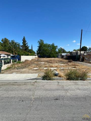 324 Sycamore Drive, Bakersfield, CA 93308 (#202110988) :: MV & Associates Real Estate