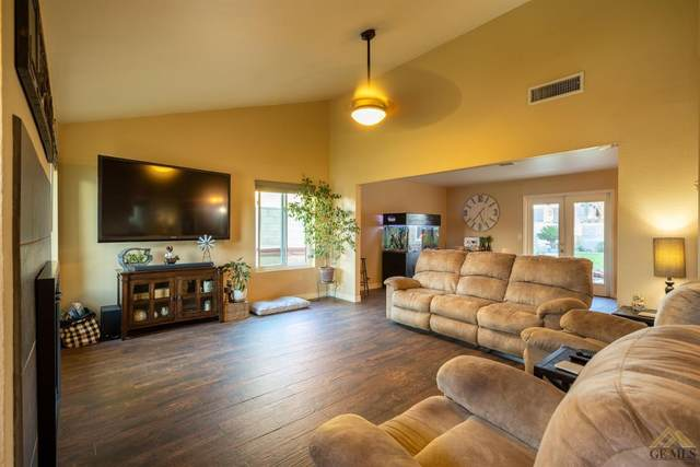 4501 Thatch Avenue, Bakersfield, CA 93313 (#202111452) :: MV & Associates Real Estate