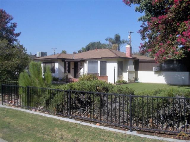 150 Loma Linda Drive, Bakersfield, CA 93305 (MLS #21709679) :: MM and Associates