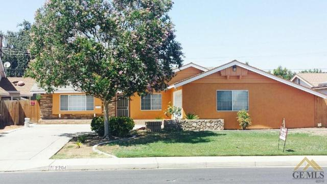 2204 Lacay Street, Bakersfield, CA 93304 (MLS #21709705) :: MM and Associates