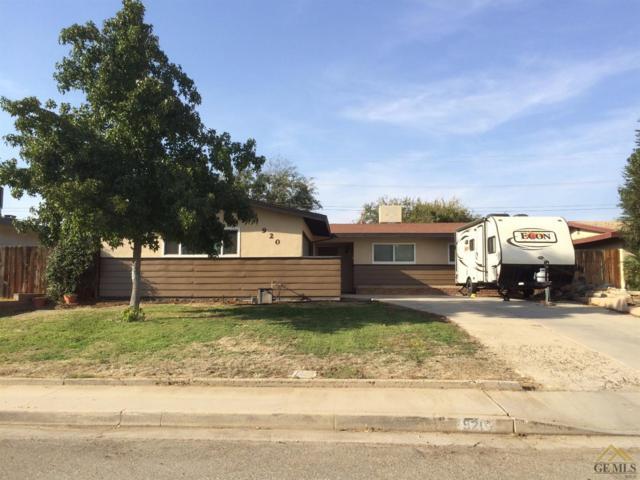 920 Portal Avenue, Bakersfield, CA 93308 (MLS #21711103) :: MM and Associates