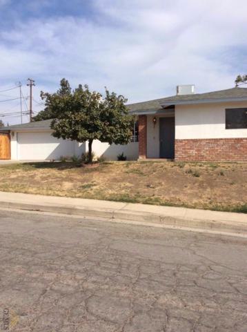 3001 La Casa Place, Bakersfield, CA 93306 (MLS #21712165) :: MM and Associates