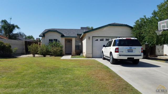 7209 Black Forest Street, Bakersfield, CA 93313 (MLS #21712179) :: MM and Associates