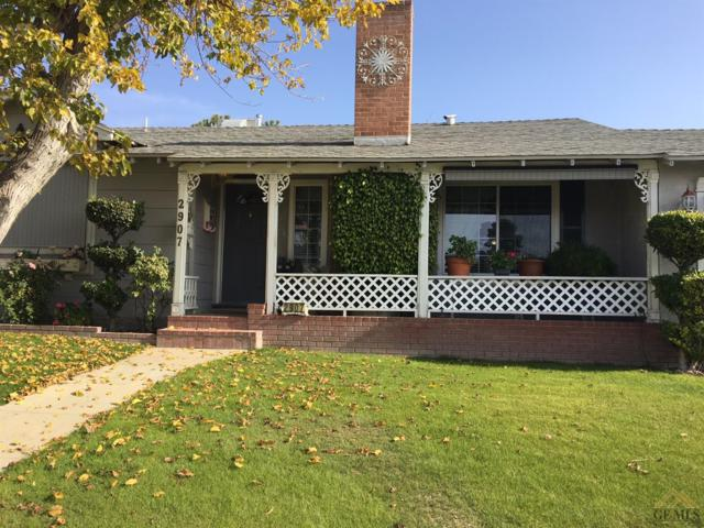 2907 Nelson Street, Bakersfield, CA 93305 (MLS #21714087) :: MM and Associates