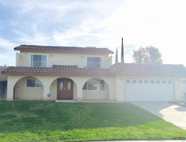 10113 Cave Avenue, Bakersfield, CA 93305 (MLS #21714106) :: MM and Associates