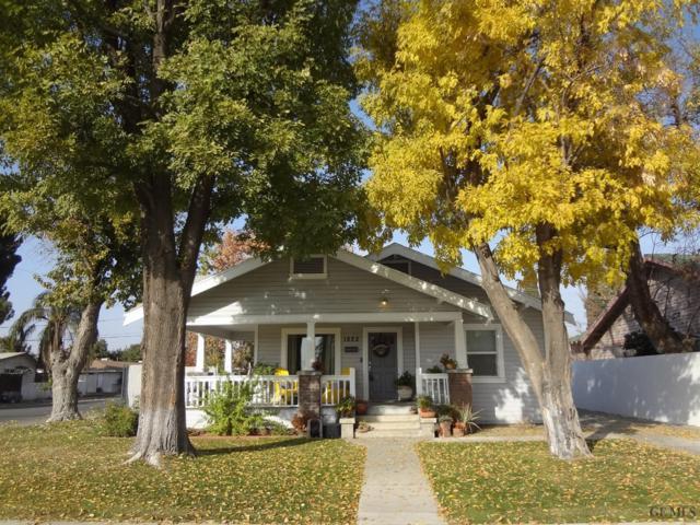 1822 3rd Street, Bakersfield, CA 93304 (MLS #21714110) :: MM and Associates