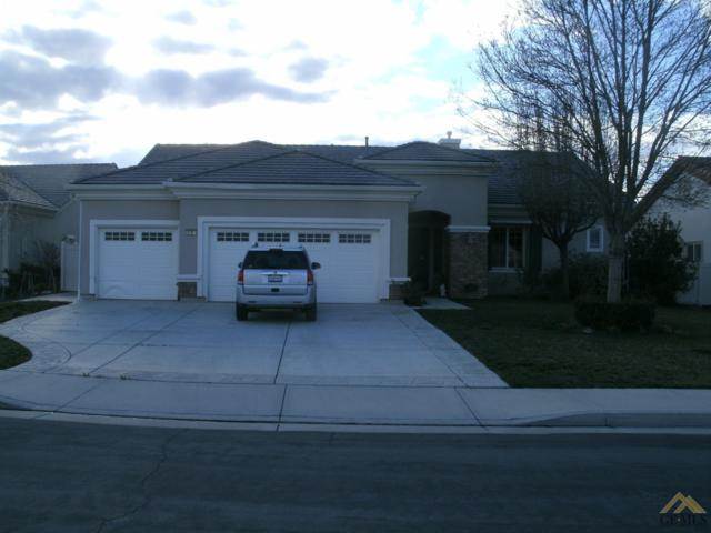 5808 Calico Cove Court, Bakersfield, CA 93306 (#21901968) :: Infinity Real Estate Services
