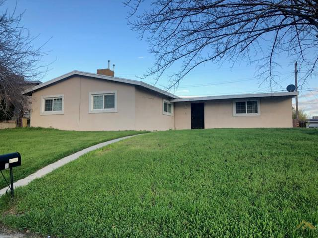 2705 Fairfax Road, Bakersfield, CA 93306 (#21902020) :: Infinity Real Estate Services