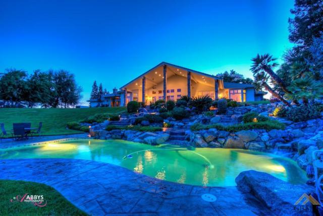 5743 Vista Del Rio Court, Bakersfield, CA 93308 (#21904109) :: Infinity Real Estate Services