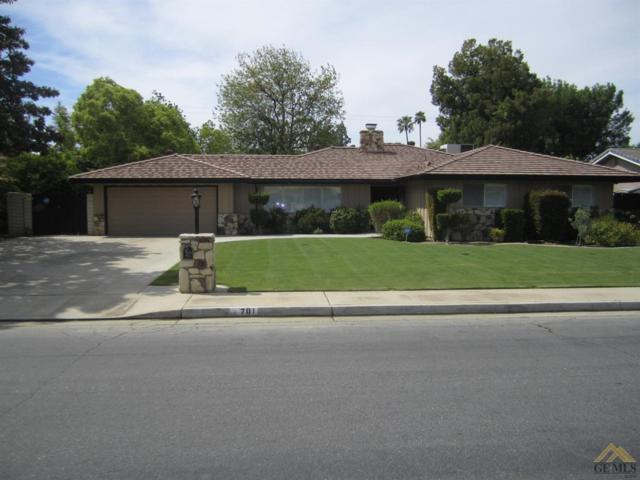 701 Vista Verde Way, Bakersfield, CA 93309 (#21904534) :: Infinity Real Estate Services