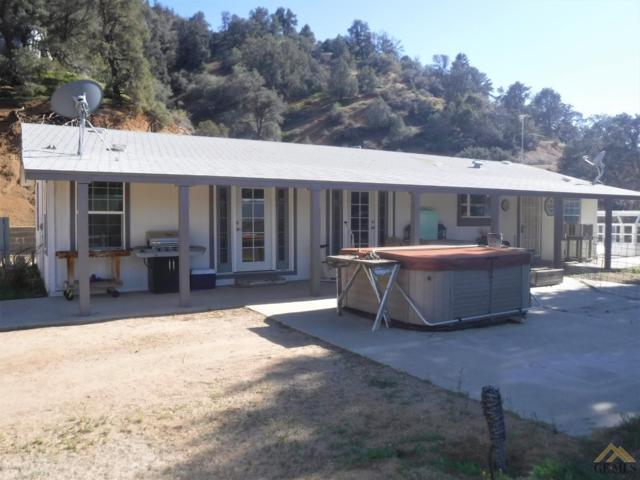 9640 Pine Grove Drive, Tehachapi, CA 93561 (#21904597) :: Infinity Real Estate Services