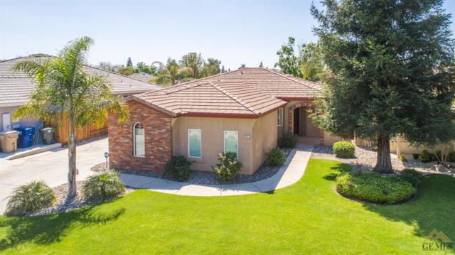 9713 Manhattan Drive, Bakersfield, CA 93312 (#21904600) :: Infinity Real Estate Services