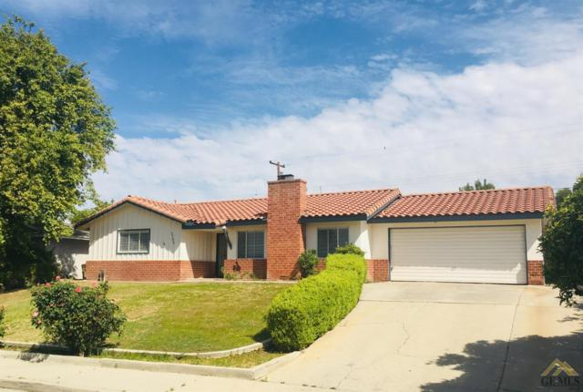 2706 Driller Avenue, Bakersfield, CA 93306 (#21904606) :: Infinity Real Estate Services