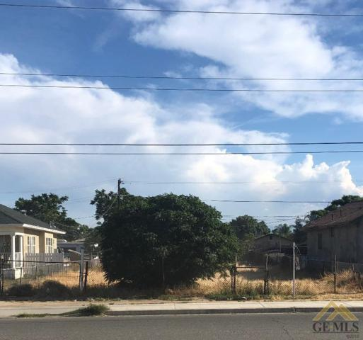 1921 E Planz Road, Bakersfield, CA 93307 (#21904697) :: Infinity Real Estate Services