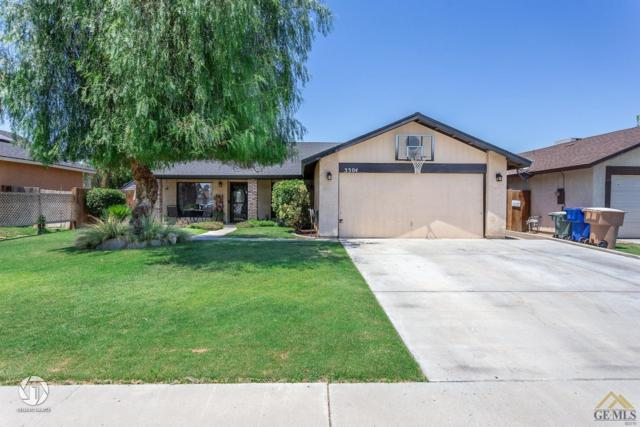 3304 Charlotte Street, Bakersfield, CA 93313 (#21907423) :: Infinity Real Estate Services
