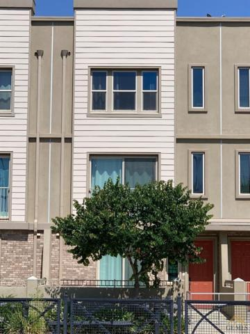 1300 R Street #4, Bakersfield, CA 93301 (#21907516) :: Infinity Real Estate Services