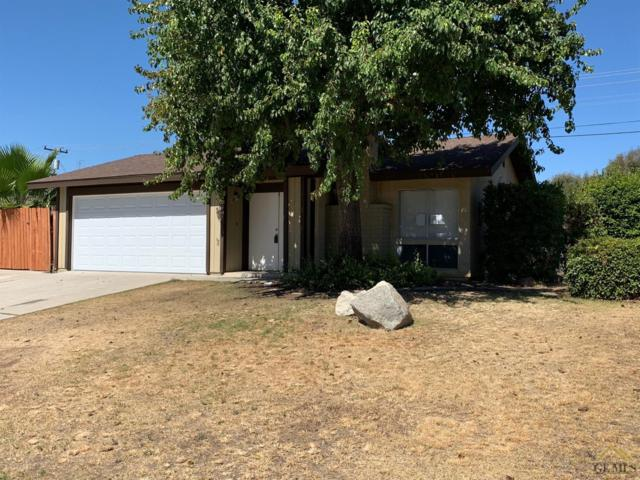2804 Catalina Drive, Bakersfield, CA 93306 (#21907988) :: Infinity Real Estate Services