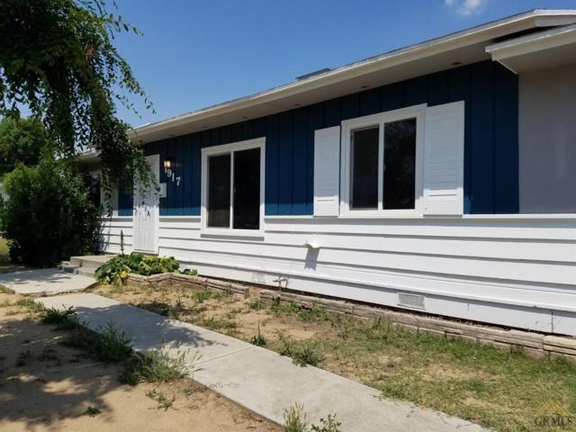 1917 Manley Avenue, Bakersfield, CA 93306 (#21908609) :: Infinity Real Estate Services