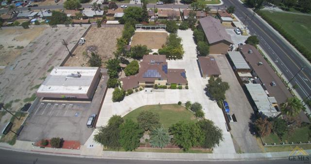 2510 Wilson Road, Bakersfield, CA 93304 (#21909374) :: Infinity Real Estate Services
