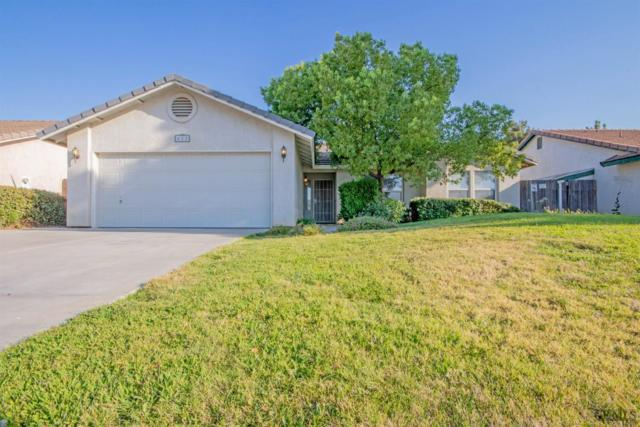 625 Meadow Grove Court, Bakersfield, CA 93308 (#21909466) :: Infinity Real Estate Services