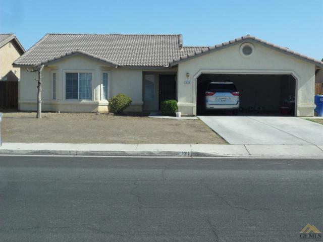 121 Calle Pinuelas, Delano, CA 93215 (#21909605) :: Infinity Real Estate Services
