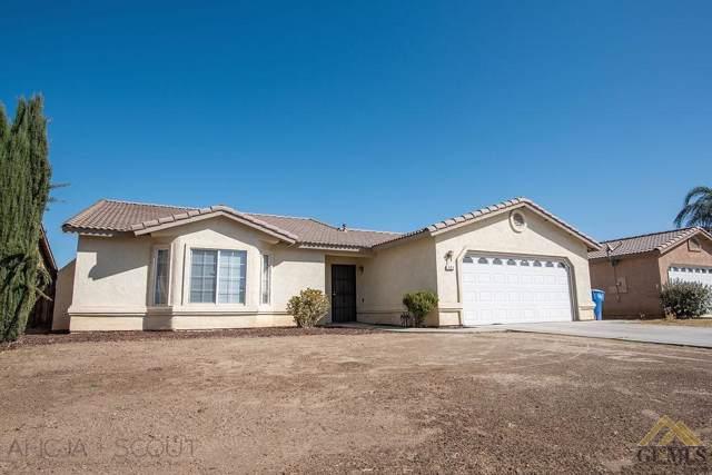 121 Calle Pinuelas, Delano, CA 93215 (#21911682) :: HomeStead Real Estate