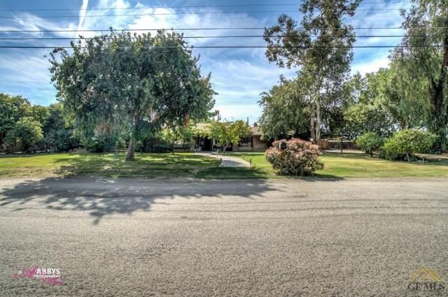 6149 Oasis Avenue, Bakersfield, CA 93307 (#21912280) :: HomeStead Real Estate