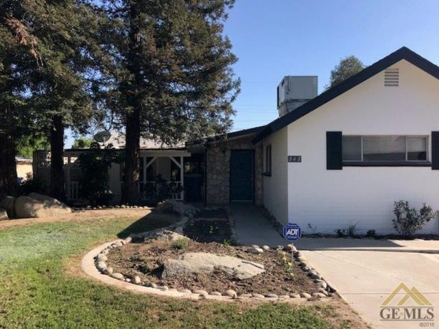 343 Ray Street, Bakersfield, CA 93308 (#21904213) :: Infinity Real Estate Services