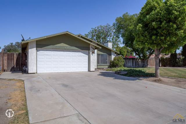 5804 Savory Lane, Bakersfield, CA 93309 (#21910918) :: Infinity Real Estate Services