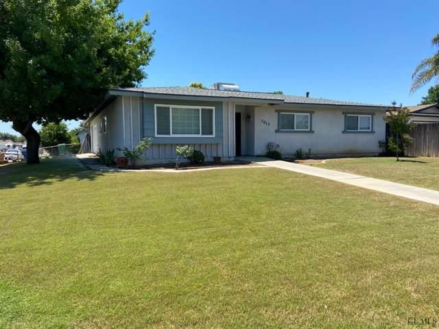 1217 W Washington Avenue, Bakersfield, CA 93308 (#202004993) :: HomeStead Real Estate