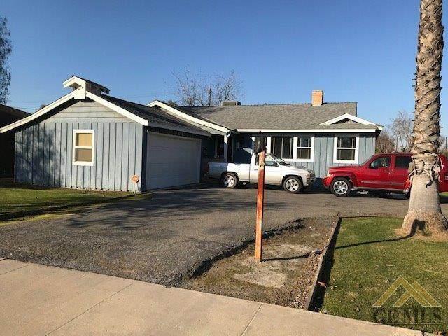901 Birch Avenue, Wasco, CA 93280 (#202001212) :: HomeStead Real Estate