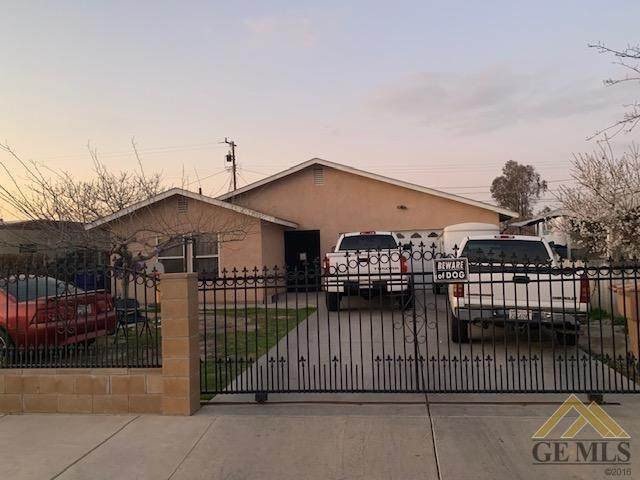 1902 Carver Street, Bakersfield, CA 93307 (#202002000) :: HomeStead Real Estate