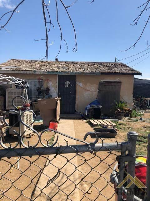 2406 O Street, Bakersfield, CA 93304 (#202003062) :: HomeStead Real Estate