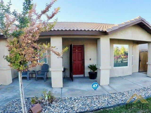 5506 Tierra Abierta Drive, Bakersfield, CA 93307 (#202005108) :: HomeStead Real Estate