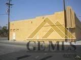 801 Chester Avenue - Photo 2