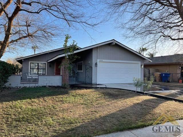 4305 Sugar Cane Avenue, Bakersfield, CA 93313 (#202101824) :: CENTURY 21 Jordan-Link & Co.