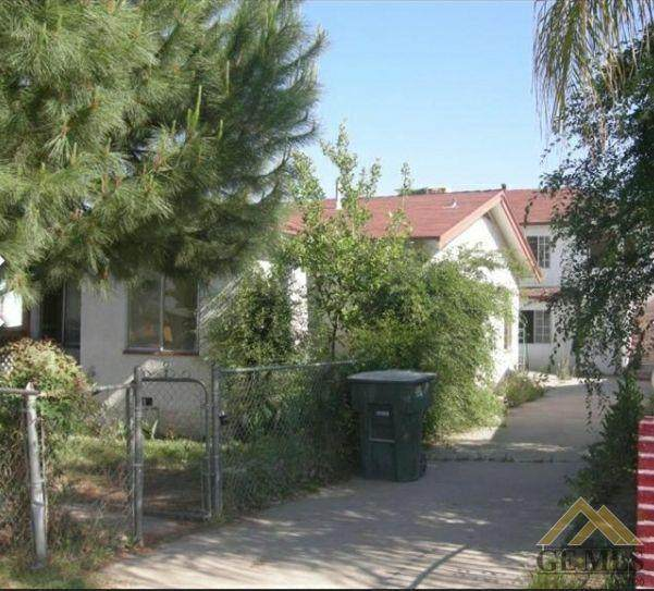 2300 Lake Street, Bakersfield, CA 93306 (#202102223) :: HomeStead Real Estate