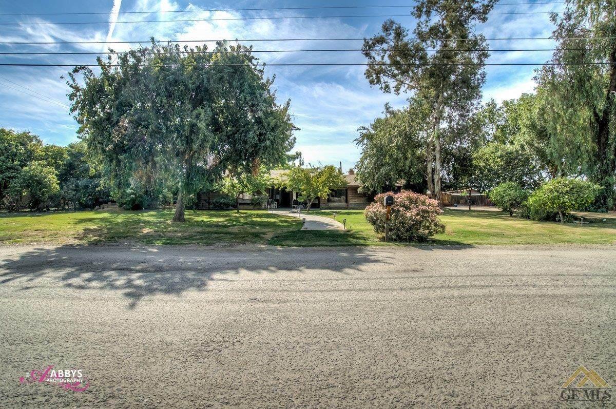 6149 Oasis Avenue - Photo 1