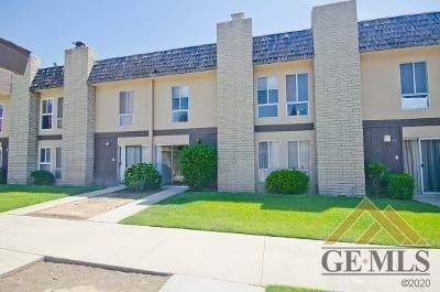 5301 Demaret Ave #30, Bakersfield, CA 93309 (#202105146) :: HomeStead Real Estate