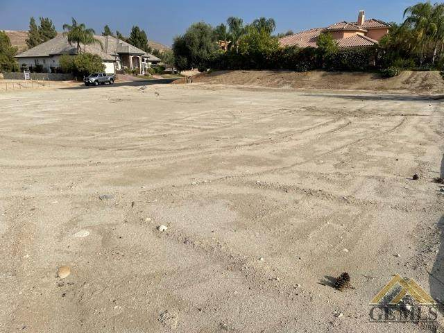 5402 Via Sorrento, Bakersfield, CA 93306 (#202109438) :: MV & Associates Real Estate