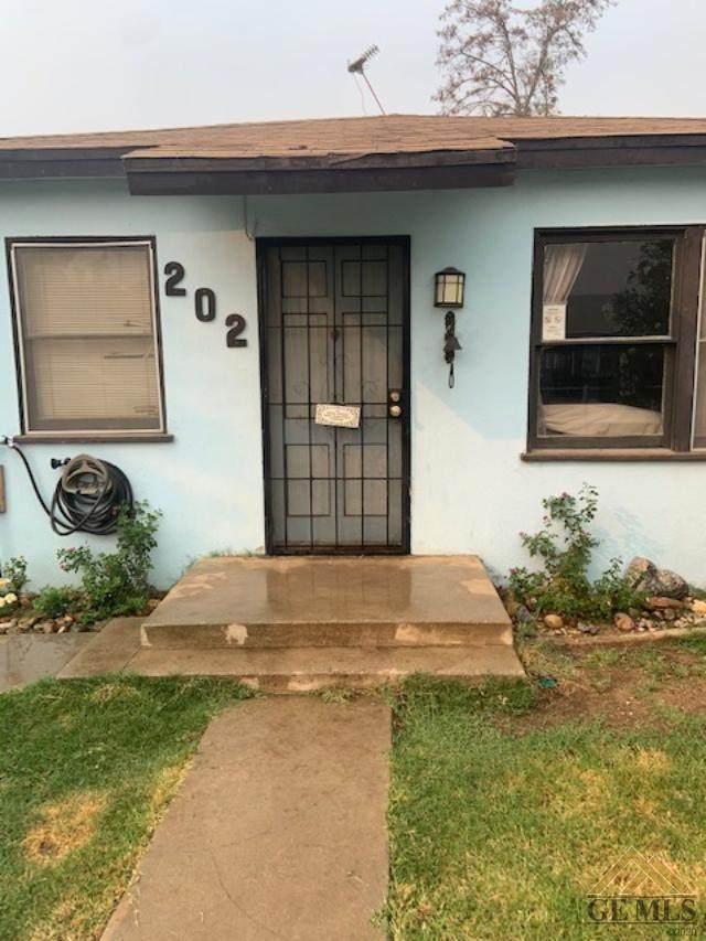 202 E Moneta Avenue, Bakersfield, CA 93308 (#202111214) :: MV & Associates Real Estate
