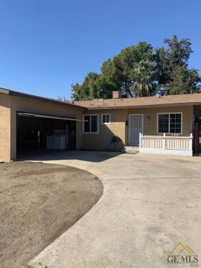 617 El Toro Drive, Bakersfield, CA 93304 (#202111301) :: MV & Associates Real Estate